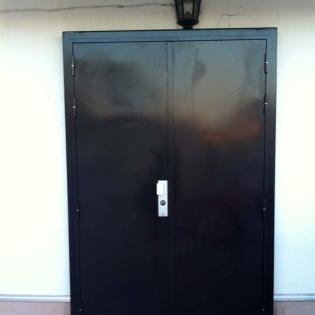 Porte blindée à 2 vantaux