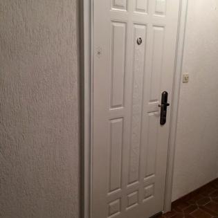 Porte d'entrée en acier mouluré