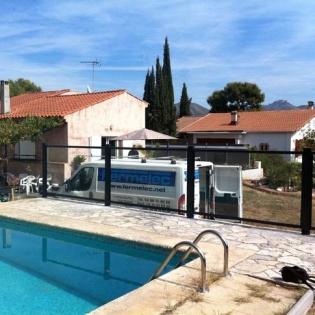 Barrière de piscine en verre Securit Horizal. Aubagne