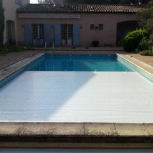 Couverture PVC pour piscine Interpool. Aix en Provence