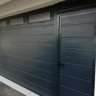 Porte sectionelle hormann avec portillon séparé couleur gris anthracite Marseille 13012