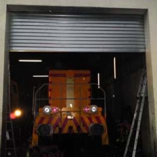 Rideau métallique, gare de réparations de trains à Marignane