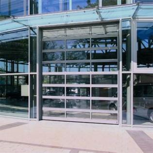Porte sectionnelle ALS 40 Hörmann. Grande transparence, structure aluminium.